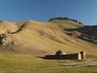 Caravansérail à 3500m sur la route de la Soie. La Northface VE25 d'il y a 1000 ans